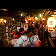 (Masahiro Makino) Tags: festival japan photoshop canon eos kyoto adobe    gion tamron f28 lightroom gionmatsuri    1750mm 60d naginataboko  20120717001958canoneos60dls640p