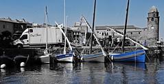 la musique dbarque - music arrives (png nexus) Tags: desaturation rue street bleu blue bateau boat pierre