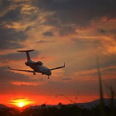 Itami airport senri river (mocchipa) Tags: airplane itamiairport nikond600
