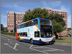 19004, Oliver Street, Rugby (Jason 87030) Tags: bus flats blocks arrows road august 2016 sunny summer manchester rugby oliverstreet bright light 19004 mx06xac doubledecker stagecoach enviro adl e400 canon