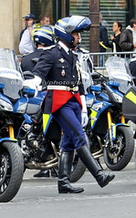 bootsservice 16 500739 (bootsservice) Tags: arme army uniforme uniformes uniform uniforms bottes boots riding boots weston moto motos motorcycle motorcycles motard motards motorcyclists motorbike gants gloves gendarme gendarmes gendarmerie nationale parade dfil 14 juillet bastille day champs elyses paris