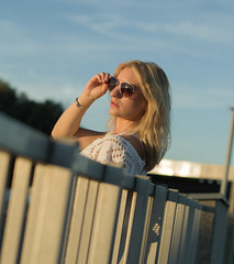 look into the sun (Thomas Gloner) Tags: look thesun sunglasses blond yellow blue sunset sonne pentax 50mm grey grau gelb blau sonnenbrille dream traum träumen outdoor