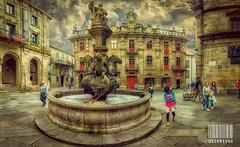 Praza das prateras (Uxo Rivas) Tags: santiago compostela galicia plaza calle gente