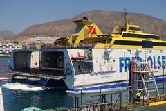 Los Cristianos: ferry to La Gomera (JdRweb) Tags: loscristianos sonydscrx100 tenerife