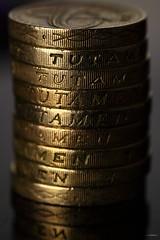 tutamen (car 67) Tags: money pound coins coin dosh change