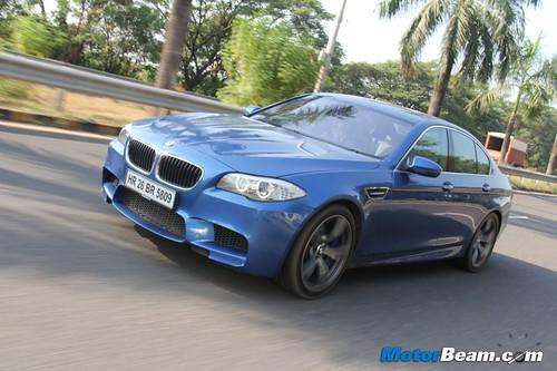 2012-BMW-M5-24