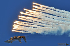Striking Flares (Ken Middleton) Tags: nellisafb f15e strikeeagle aviationnation 900251 17thwps kenmiddleton 17thweaponssquadron