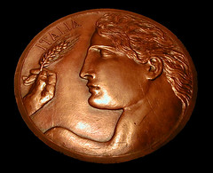 100 Lire (Renato Morselli) Tags: man money roma uomo 100 museo 1918 lire soldi numismatica modello bassorilievo moneta mistruzzi