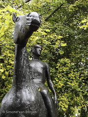 "Winchester: Horse and Rider Statue • <a style=""font-size:0.8em;"" href=""http://www.flickr.com/photos/44019124@N04/8200013277/"" target=""_blank"">View on Flickr</a>"