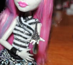 Rochelle's souvenire (lucylacri) Tags: monster high gargoyle rochelle goyle