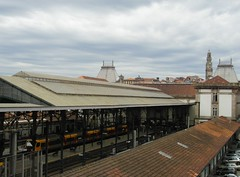 Estao de Porto-So Bento (IngolfBLN) Tags: station gare eisenbahn railway porto estacion cp bahn oporto azulejos estao comboio pnv sobento refer caminhodeferro azujejo estaoferroviriadesobento estaodeportosobento