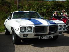 1969TA ('flyer) Tags: uk white kent sittingbourne bluestripe fujihs10 kentchromeandcruisersshow2011