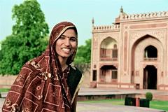Portait au baby Taj, Agra (angelina.perrin) Tags: portait femme agra inde bellefemme indiennes femmeindienne