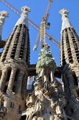 The Tree Of Life [Barcelona - 15 September 2012] (Doc. Ing.) Tags: barcelona church architecture spain cathedral crane unesco catalunya sagradafamilia modernismo 2012 worldheritage antonigaud eixample