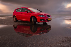 Seat Leon @ Brouwersdam (Marcel Tuit) Tags: auto longexposure red storm holland reflection me water car canon fire eos diesel seat nederland thenetherlands noordzee leon northsea 7d rood hatchback vuur reflectie brouwersdam langesluitertijd 19tdi spanishpepper nd110 spaansepeper marceltuit