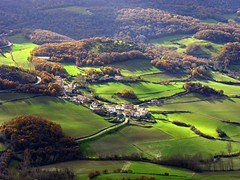 Ulzurrun (jaecheve) Tags: autumn espaa spain pueblo otoo navarra ollo txurregi ulzurrun churregui