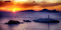 Un Soir, une Lumire....... (Malain17) Tags: sky mer france colors clouds wow photography marseille flickr image pentax lumire photographers panoramic provence coucherdesoleil les mditerrane rade