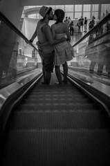 Marseille Couple (Francisco Vidal) Tags: amour amor inlove marseille couple kiss