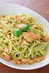 """Tp nu mn Ty: Sp g v spaghetti c hi xng khi thm """"nhc mi"""" (leharry89) Tags: cuisine basil cream dish food pasta pesto recipe sauce smokedsalmon spaghetti"""