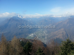 20160329_111516 (coldgazemedia) Tags: switzerland ticino cardada cimetta lepontinealps alps swissalps snowmountain winter bluesky blue snow hiking mountain lakemaggiore photobank stockphoto skiresort skiing outdoor landscape scenery people children panorama lake tree swissvillage valley locarno