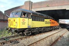 56302 6C32 Bridgefoot (Neil Altyfan - Railway Photography) Tags: 56302 56113 6c52 basfordhall latchford sidings colasrail railvac 997095150055 bridgefoot warrington arpley signal box 270716