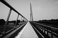 B58 Wesel (Till Billy) Tags: wesel rhein brcke bridge road street strase bundesstrase bundeswasserstrase radweg rhine river