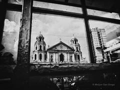 Quiapo Church (Meljoe San Diego) Tags: bw church reflections grain streetphotography photowalk ricoh grd4 meljoesandiego grdiv