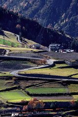 Andorra rural: Vall d'Orient (lutzmeyer) Tags: above november autumn rural landscape europe novembre dorf village herbst landwirtschaft pueblo paisaje 300mm noviembre pasto tele agriculture landschaft oben andorra pyrenees overview iberia pirineos pirineus tardor bersicht iberianpeninsula paisatge pyrenen otono agricultura ontop poble prats fromtop berblick 1580m pastureland canillo pastura viehweide weideland iberischehalbinsel valldorient vallorient canilloparroquia lutzmeyer lutzlutzmeyercom