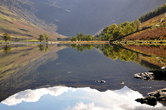 DSC_0091 Buttermere reflections (wilkie,j ( says NO to badger cull :() Tags: uk autumn trees light mountains water clouds reflections landscape countryside nikon scenery rocks lakes lakedistrict scenic cumbria nationalparks nationaltrust nationalgeographic buttermere scenicwater sceniclandscape
