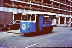 LONDON 1978 July pic28 (streamer020nl) Tags: london truck milk place e 1978 van float carpark greencoat milkdelivery eexpress