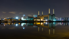 Battersea's Beauty (Torsten Reimer) Tags: uk longexposure england london water thames night buildings reflections river boats lights industrial unitedkingdom cranes disused battersea batterseapowerstation rx100 sonyrx100 westernriversidewasteauthority