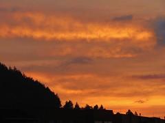 Siluetas. (baritamorales) Tags: sunset clouds atardecer colombia silhouettes cielo nubes silueta manizalesfbricadeatardeceres nerudasaidmanizalesisasunsentsfactory