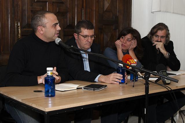 "Presentación del libro 'Ciberactivismo', de Mario Tascón y Yolanda Quintana • <a style=""font-size:0.8em;"" href=""http://www.flickr.com/photos/32810496@N04/8226835998/"" target=""_blank"">View on Flickr</a>"