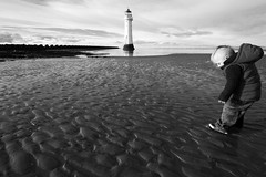 Look Mummy Look! (Minxy*) Tags: boy lighthouse beach canon child 7d newbrighton newbrightonbeach sigma1020mm newbrightonlighthouse perchrocklighthouse