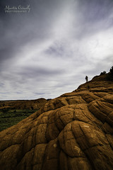 Man on the Rock (Martin Osiadly) Tags: red orange usa man color colour rot rock mos fire person photography nikon fotografie angle martin wide wolke wolken winkel grn kontrast stein farbe ultra farbig d800 gestein cotrast bewlkt uww dramatisch vallay dramatik weiit osiadly d800e