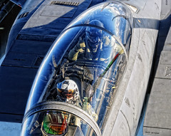 6070 Bolar F-15E WSO Thumbs up! (Morley Lester (Aviation)) Tags: blue us eagle military usaf raf usairforce airtoair mudhen wso d300 madhatters lakenheath f15e strikeeagle bolar 48fw bolars raflakenheath 492fs