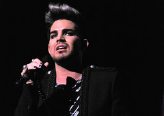 Adam Lambert Beacon Theatre 2012-12-08 (Houari B.) Tags: cyndilauper beacontheatre homefortheholidays adamlambert truecolorsfund