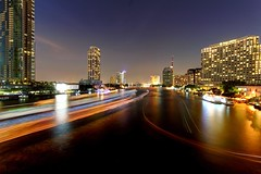 Bangkok River Nights / 88 Seconds (I Prahin | www.southeastasia-images.com) Tags: city longexposure travel sky urban night canon thailand raw view flood dusk bangkok lighttrails bluehour orientalhotel chaoprayariver theriver rivercruise hiltonhotel peninsulahotel riversidehotel shangrilahotel taksinbridge bestcapturesaoi elitegalleryaoi therivercondo therivercondominium