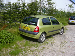 Renault Clio (mrrobertwade (wadey)) Tags: wadeyphotos rossendale lancashire mrrobertwade haslingden milltown