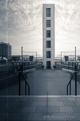 DSC05952_s (AndiP66) Tags: reflections reflektionen licht light peter merian haus house basel stadt city schweiz switzerland sony dscrx100ii dscrx100m2 rx100ii rx100m2 andreaspeters