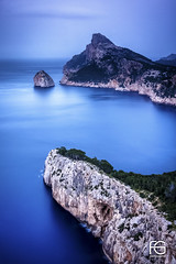 Formentor (Fabien Georget (fg photographe)) Tags: longexposure sunrise beach sun sand sunset landscape majorque cap formentor ayezloeil bateau beautiful beautifulearth bigfave canoneos600d canon cloudsstromssunsetandsunrise dflick earth elitephotographie elitephotography elmundopormontera eos fabiengeorget fabien fgphotographe flickr flickrdepot flickrunited georget geotagged flickunited mordudephoto nature paysages paysage perfectphotograph perfectpictures wondersofnature wonders water supershot supershotaward theworldthroughmyeyes sky shot photography photo great phographers greatphotographer french