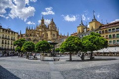 Plaza Mayor (Josinisam) Tags: segovia plazamayor catedral castillaylen turismo verano nikond7000