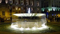 Metopolis: Madrid (claudios53) Tags: spagna espaa espaoles madrid spanish fontana notte luce effetti effect light acqua water