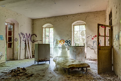 La chambre (Sogo-photos) Tags: urbex decay old ghots ruins ruines exploration abandonn abandonned