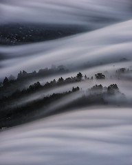 w e a v e | marin county, california (elmofoto) Tags: california unitedstates northerncalifornia bayarea sanfrancisco millvalley northbay mttam mounttamalpais fog mist weather longexposure nikon d810 nikond810 2470mm elmofoto marincounty landscape fogscape layers clouds ridge weave woven