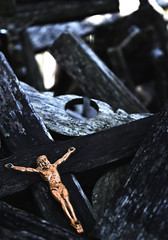 Abandoned crucified Jesus statue (Holger Ollema) Tags: sunset jesus cross hd abandoned rusty old urbanphotography urban wood lithuania hillofcrosses religious crucified