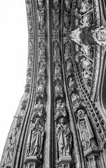 Bruxelles, Belgique (pas le matin) Tags: bw nb blackandwhite monochrome column architecture church glise cathedral sculpture cathdrale brussels bruxelles belgique belgie belgium travel voyage worls canon 5d 5dmkiii canon5dmkiii canoneos5dmkiii