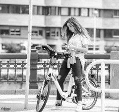 Almas extraas (Eibar10- Street photographer) Tags: 70300 blackandwhite blancoynegro candid d7000 donosti monochrome portrait retrato robado streetportrait nikon nikond7000 street streetphoto