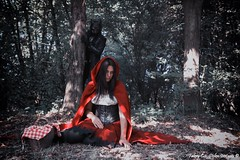 Nightmares of Red Riding Hood (fabrycstoleninstants) Tags: cappuccetto rosso red riding hood model gothic alternative goth project set canon favola fable concept