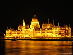 In the evening there is magic (Manon van der Burg) Tags: youvegottoloveit romantic timeofmylife longexposure canon architecture boedapest nighttime serene magic lights citytrip shortbreak water powerrrrshot hongarije budapest